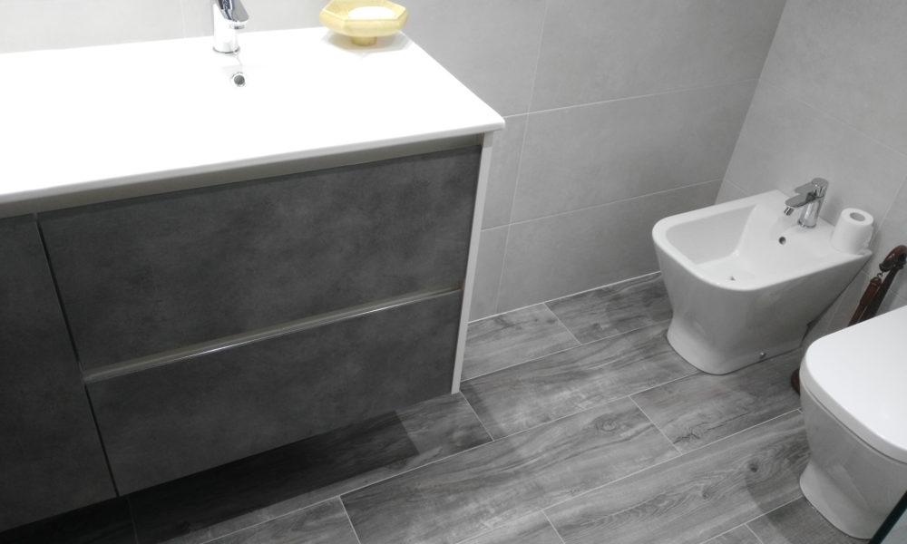 mueble y sanitarios en Reforma de baño en Avda Lobete Logroño
